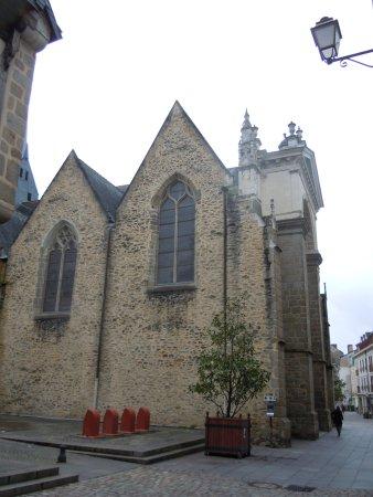 Laval, France: Arrière de l'église