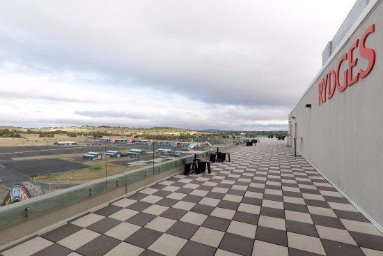 Rydges Mount Panorama Bathurst : View from Level 7 Function Rooms