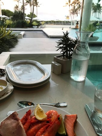 Terraces Restaurant: Window tables have a great view