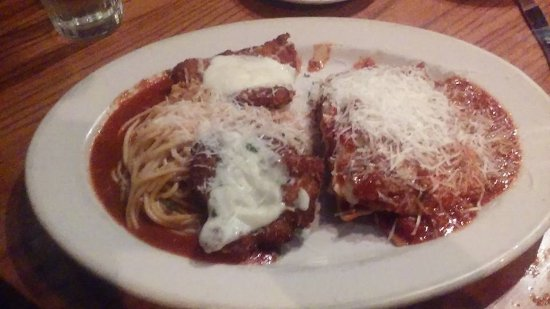 Papa Vino's: Lasagna & Chicken Parmesan