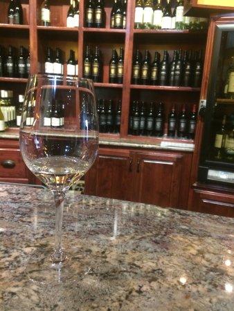 Delicato Family Vineyards Tasting Room: Chardonnay time!