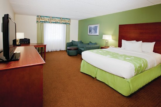 La Quinta Inn & Suites Valdosta / Moody AFB: Guest room