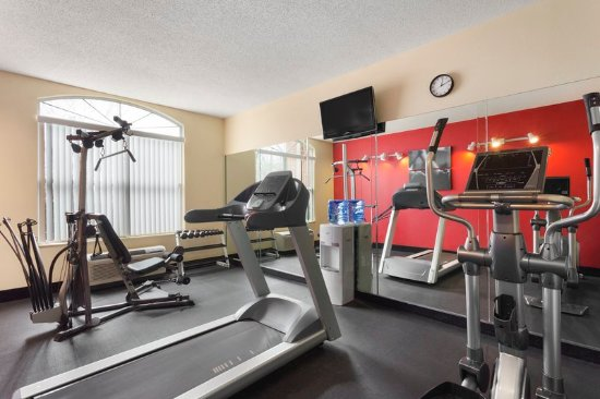 Country Inn & Suites by Radisson, Cool Springs, TN: Health club