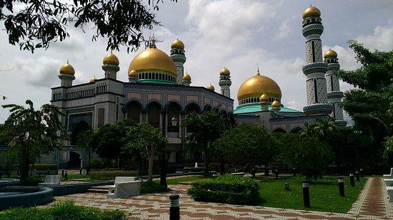Jame'Asr Hassanil Bolkiah Mosque: P_20180128_130714_large.jpg