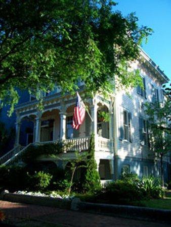 Catherine Ward House Inn: Exterior