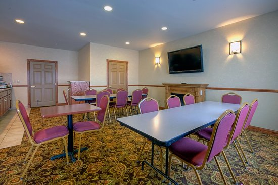 Forest Lake, MN: Meeting room