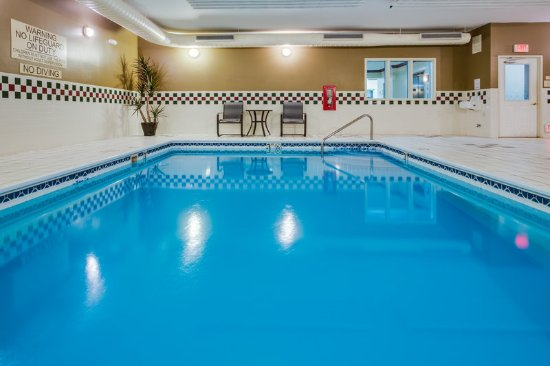 Country Inn & Suites by Radisson, Gurnee, IL: Pool