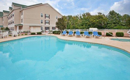 Country Inn & Suites by Radisson, Aiken, SC: Pool