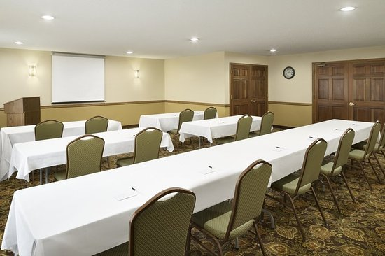 Grinnell, IA: Meeting room