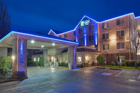 Holiday Inn Express Portland - Jantzen Beach: Exterior