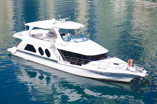 Luxury Yacht Shared Tour