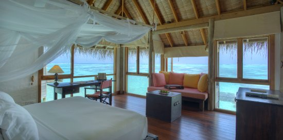 Gili Lankanfushi: Villa Suite Bedroom Interior
