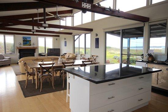 Turnstone Beach House open plan kitchen/dining/lounge ...