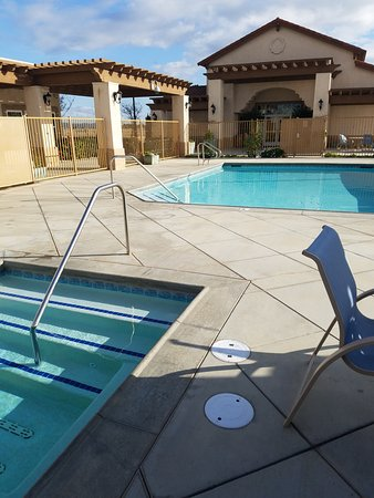 Greenfield, CA: Sap and Pool Area @ Yanks RV Resort.