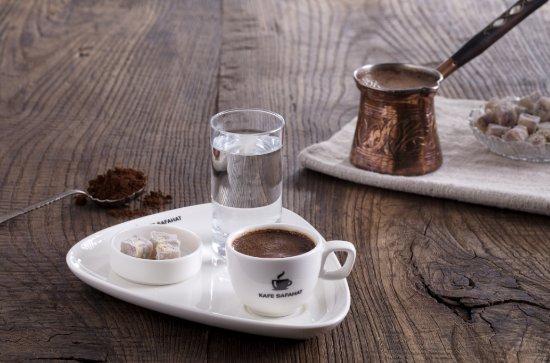 Afyon İl, Türkiye: Kafe Safahat zengin menüsü ile konuklarını ağırlıyor.