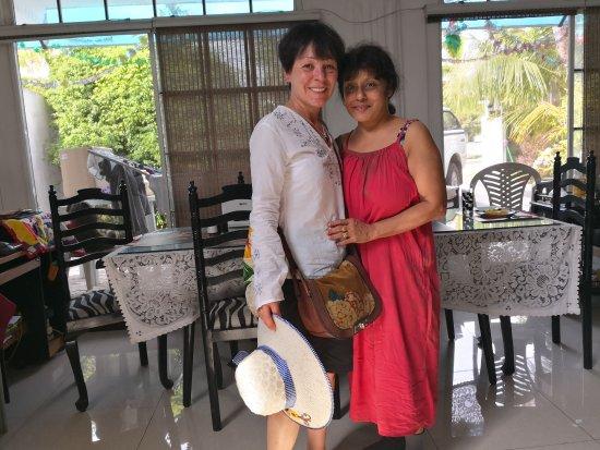 Wattala, Sri Lanka: Dana (rechts)
