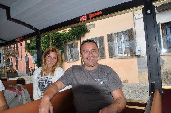 Alessandra Cacciatore Guida Turistica Lago d'Orta: salita con trenino Madonna del Sasso lago d'Orta