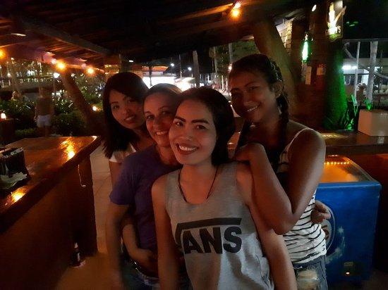 Koh Tao Leisure Park: Excellent Bar Staff