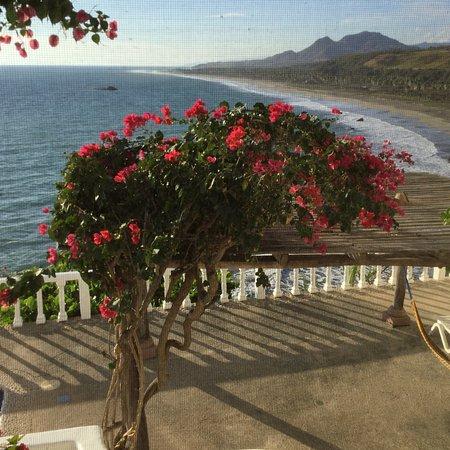 Caleta de Campos, Meksyk: Vista of the beach from Casa de la Rosa