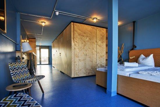 Dock inn hostel warnemunde reviews price comparison for Aja resort warnemunde suite