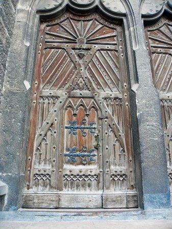 Church of St. Stanislav: Дверь