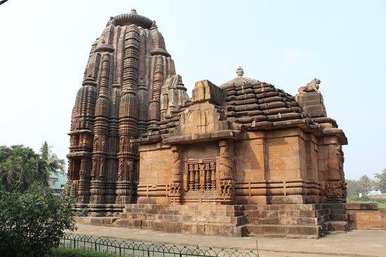 Rajarani Temple: Shot from Canon 1300d