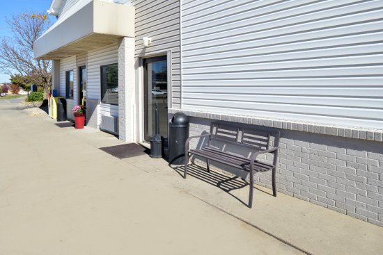 Maryville, Миссури: Entrance