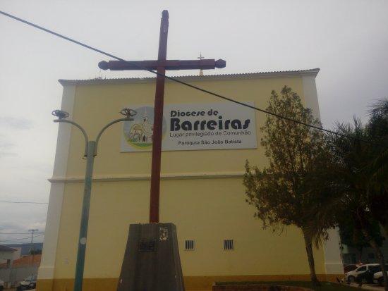 Barreiras, BA: Parte de trás da catedral