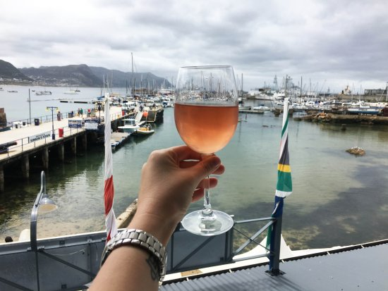 Saveur: Cheers! The beautiful view over SImon's Town Harbour