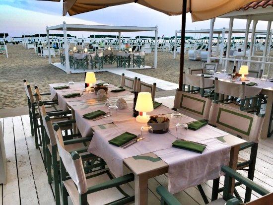 Bagno alcione forte dei marmi ristorante recensioni - Bagno italia forte dei marmi ...