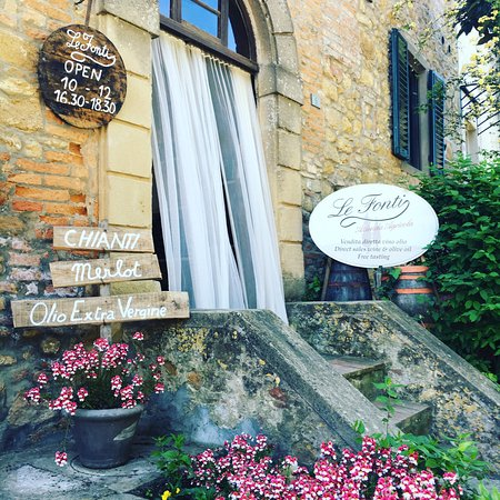 Barberino Val d'Elsa, Italy: Ingresso alla Cantina