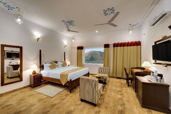 Kanj ayaan resort udaipur india foto 39 s reviews en for Ayaan indian cuisine