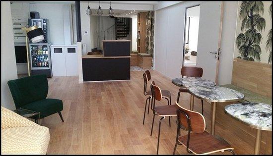 salle de danse impeccable lumi re naturelle propret impeccable endroit unique dans paris. Black Bedroom Furniture Sets. Home Design Ideas