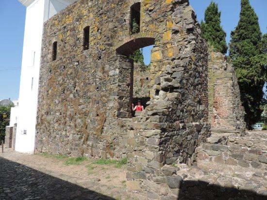 Convento de San Francisco: Uma das poucas paredes que ficaram de pé