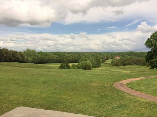 Locust Grove, VA: View of the front 9 from out patio area