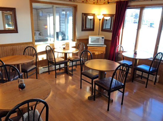 Americas Best Value Inn: Dining Area