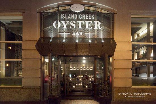 Island Creek Oyster Bar: Outside