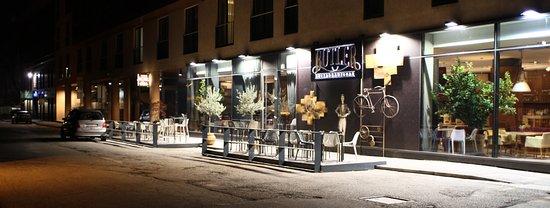 Hotel Slisko: restaurant butler exterior 1