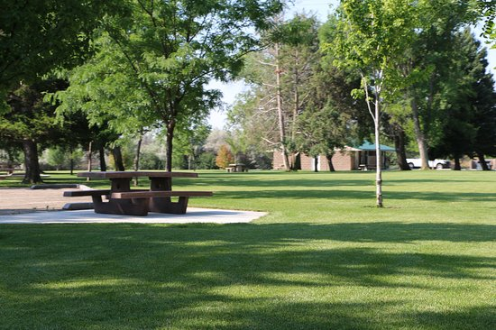 Hagerman, ID: Picnic area with restrooms