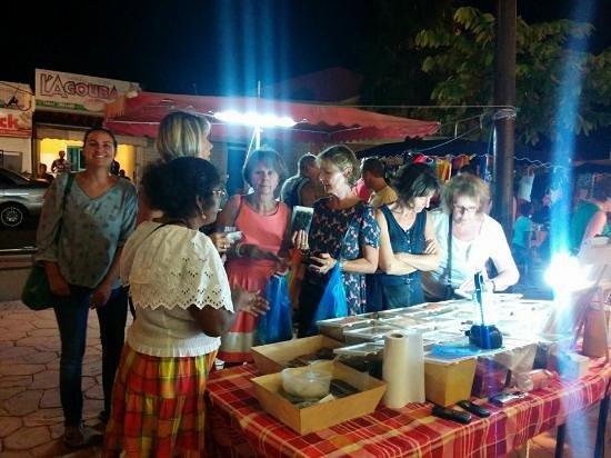 St. François, Guadeloupe: Les meilleures épices du marché nocturne - Mamie Christiane