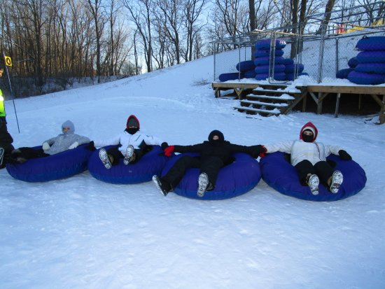 Algonquin, إلينوي: Chillin before the ride down