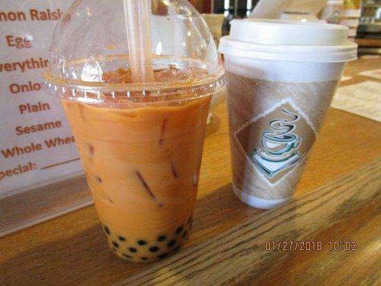 Newbury Park, CA: Thai tea boba tea and a green tea latte