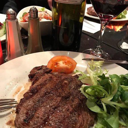 Angus Steakhouse: photo1.jpg