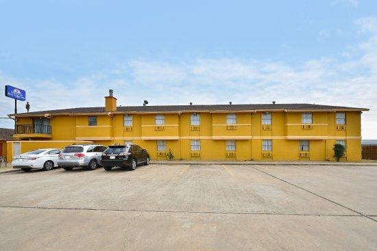 Americas Best Value Inn - Brenham : Exterior