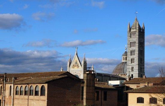 Hotel Duomo: il duomo da una saletta dell'hotel