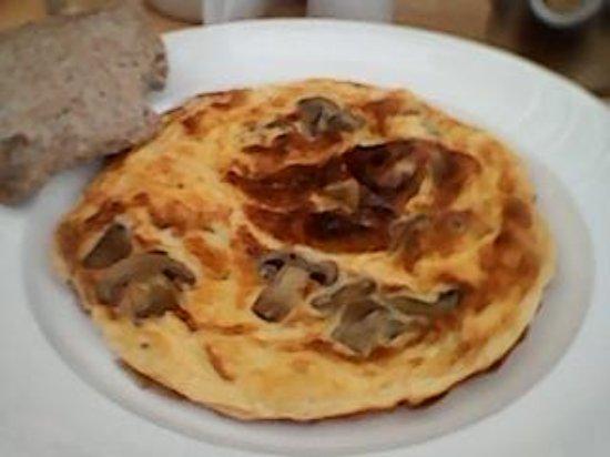 Alexandra & Victoria: Mushroom Omelette Breakfast Option