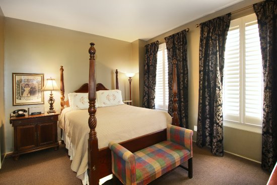 Suite 2 Bedroom Picture Of Talbot Heirs Guesthouse Memphis Tripadvisor