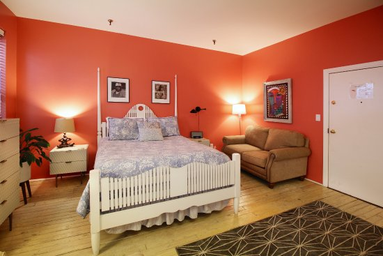 Suite 5 Bedroom Picture Of Talbot Heirs Guesthouse Memphis Tripadvisor