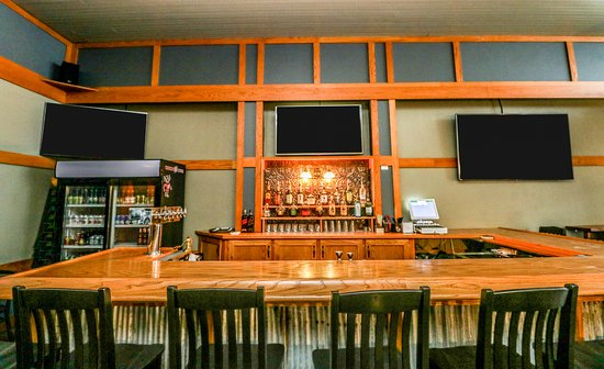 2nd & Main Coffeehouse and Pub: Our beautiful bar is waiting for you!