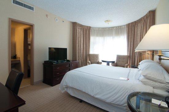 Anaheim majestic garden hotel 128 1 7 8 reviews - Anaheim majestic garden hotel to disneyland ...